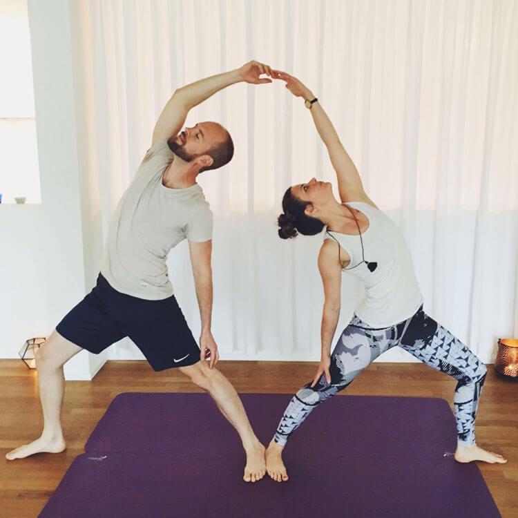 Adrian und Fabia im Partner Yoga Workshop
