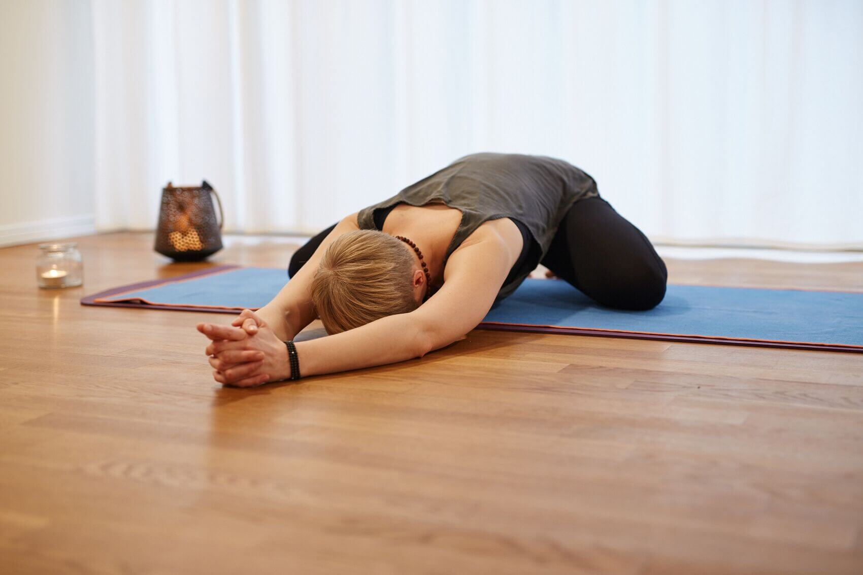 Daniela beim Yin Yoga